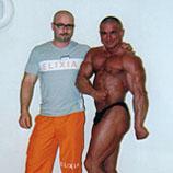 Personal Trainer für Bodybuilding mit Burklaf Scheibe